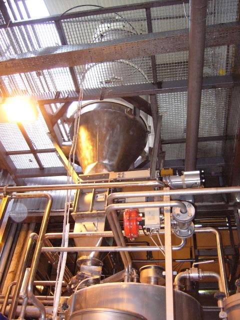 Αποκονίωση εγκατάστασης αερομεταφοράς ζάχαρης σε εργοστάσιο αναψυκτικών
