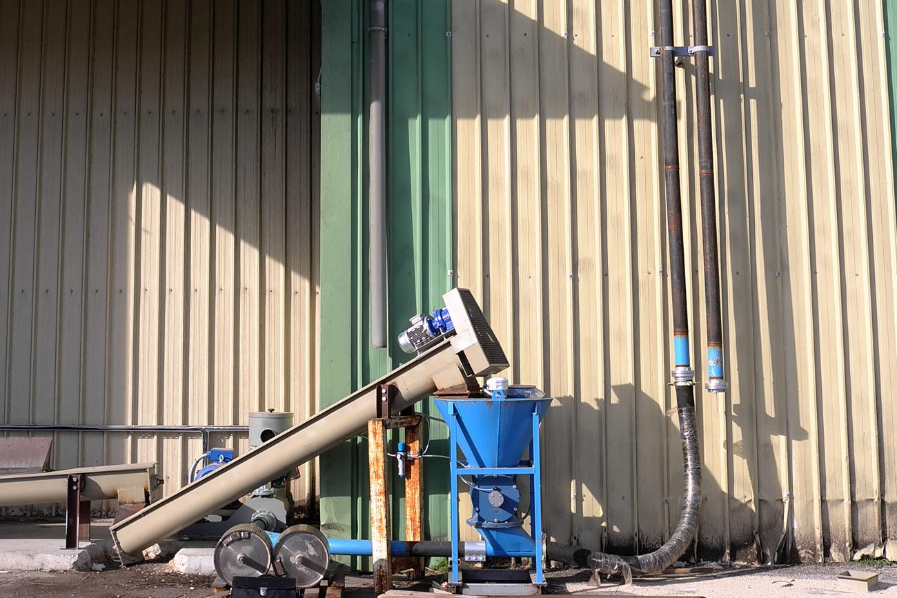 Αερομεταφορά ανθρακικού ασβεστίου δυναμικότητας 10 t/h  σε εργοστάσιο ζωοτροφών