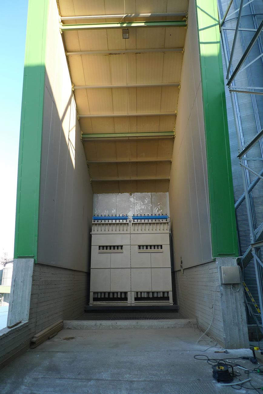 Αντιεκρηκτικό φίλτρο ATEX ZONE 21 επιφάνειας 50 μ² αποκονίωσης χώρου παραλαβής δημητριακών σε αλευροβιομηχανία